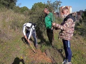 alumnos de TECO de ESYDE Huelva participa en actividades de reforestación