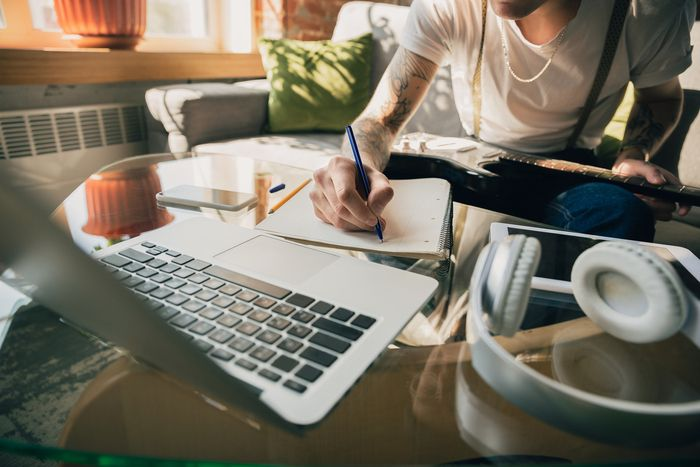 Lee más sobre el artículo ¿Aún no te has informado sobre la Formación online de ESYDE?